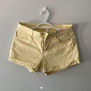 ✨BRAND NEW YELLOW H&M SHORTS✨